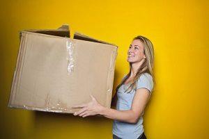 Umzug den Profis überlassen. die Möbelpacker kennen die Kunst der Verpackung!